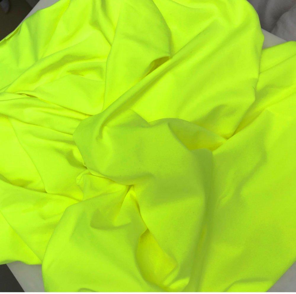 בד לייקרה 130 גר' צהוב ניאון
